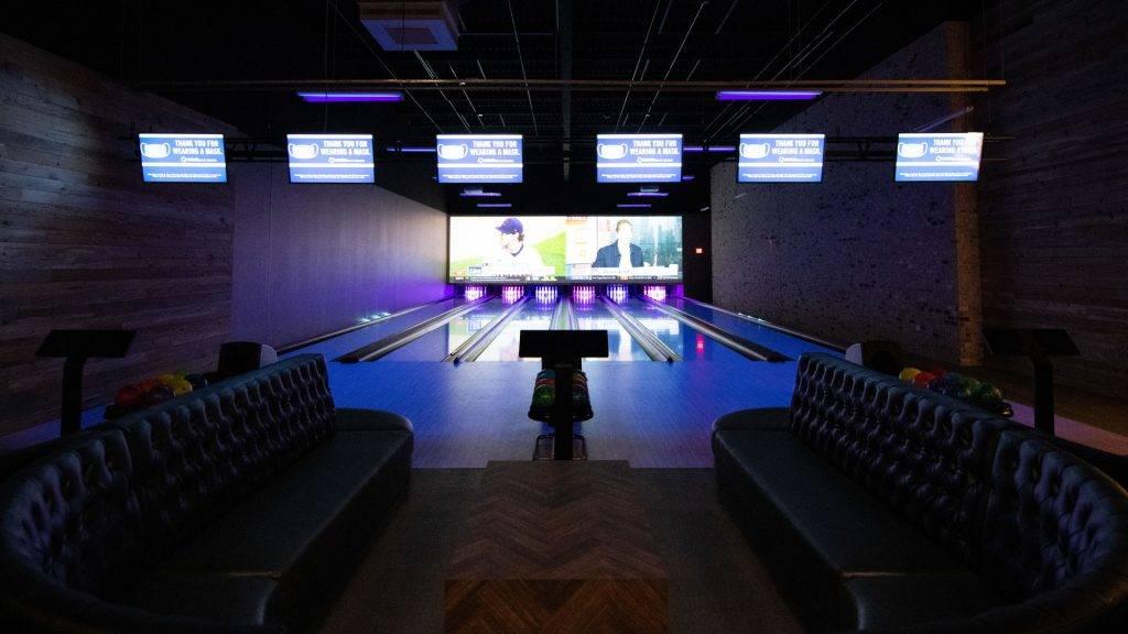 surge_entertainment_center_bowling